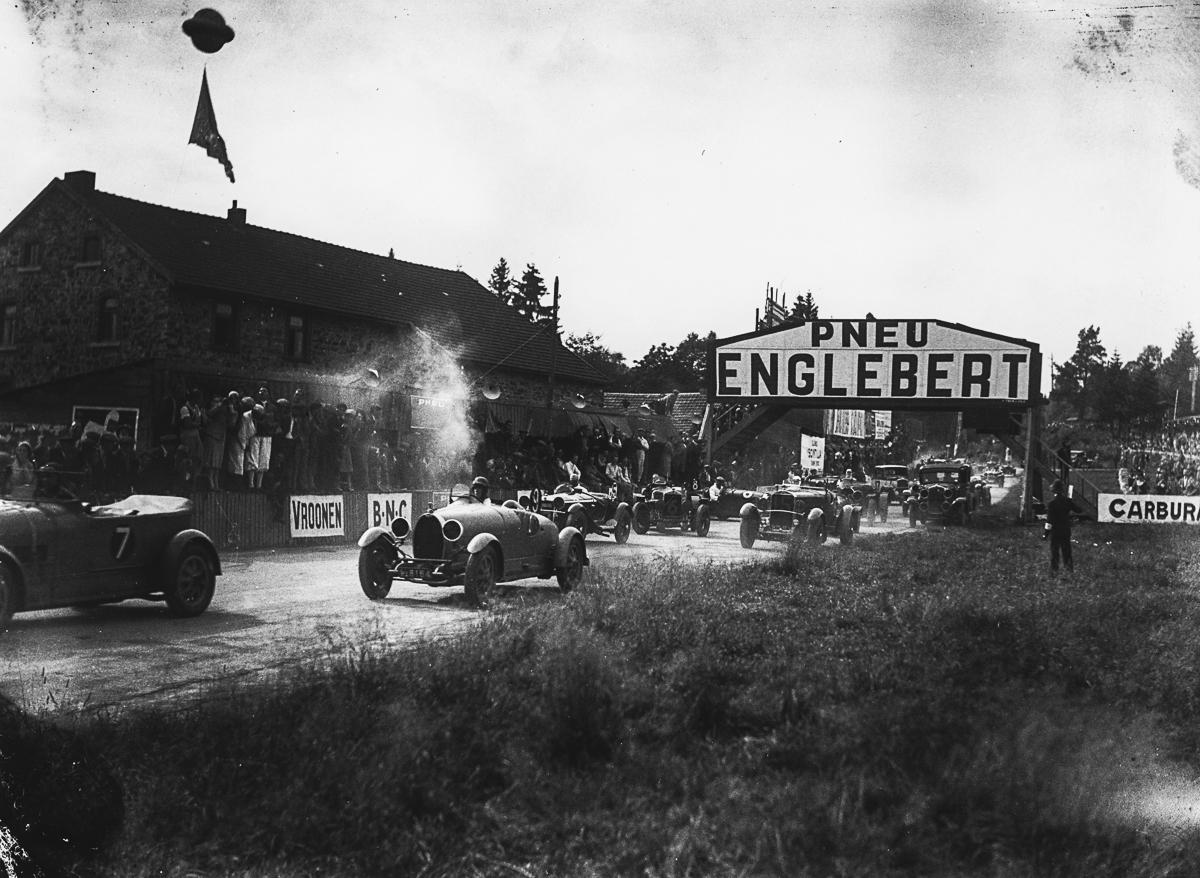 1931_B6732